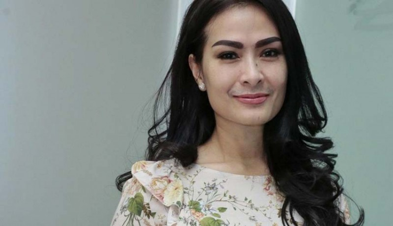 10 Seniman Musik Dangdut Terkenal Indonesia